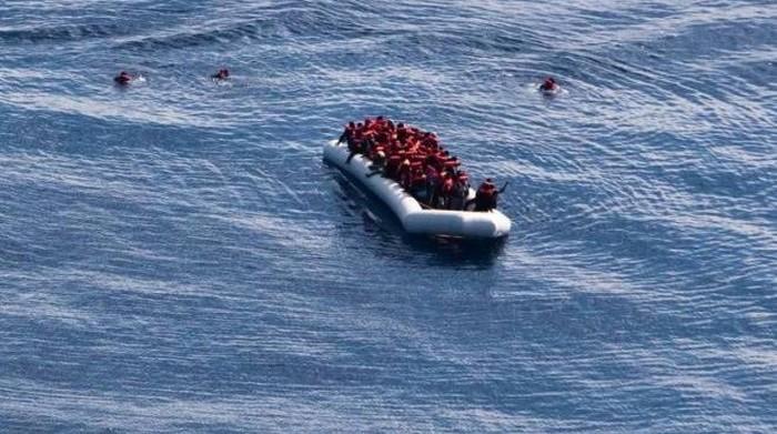 Migranti in un mare senza umanità. Promuoviamo la petizione al Presidente del Consiglio italiano